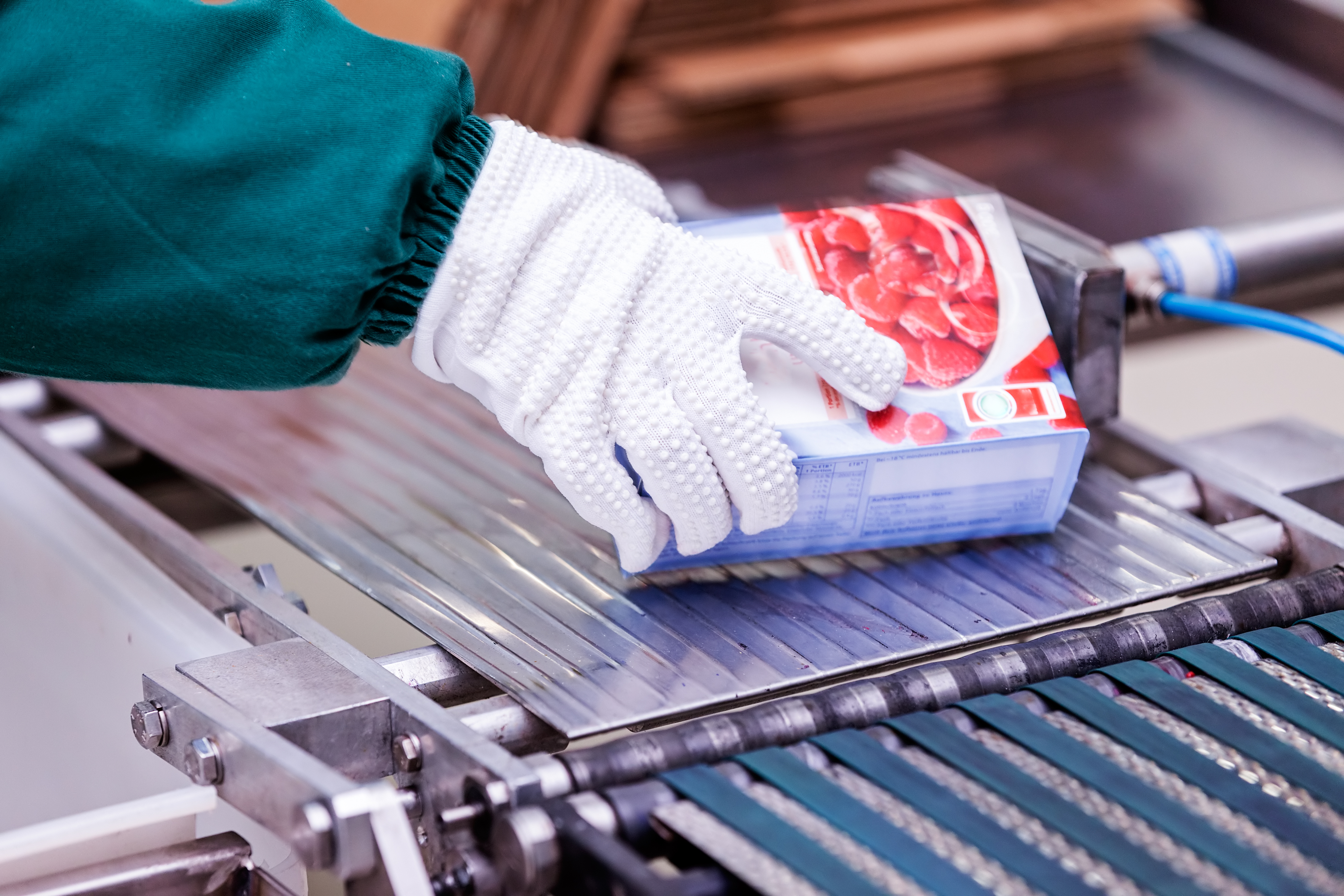 7 Cost-Saving Ways to Optimize Your Food Packaging Process