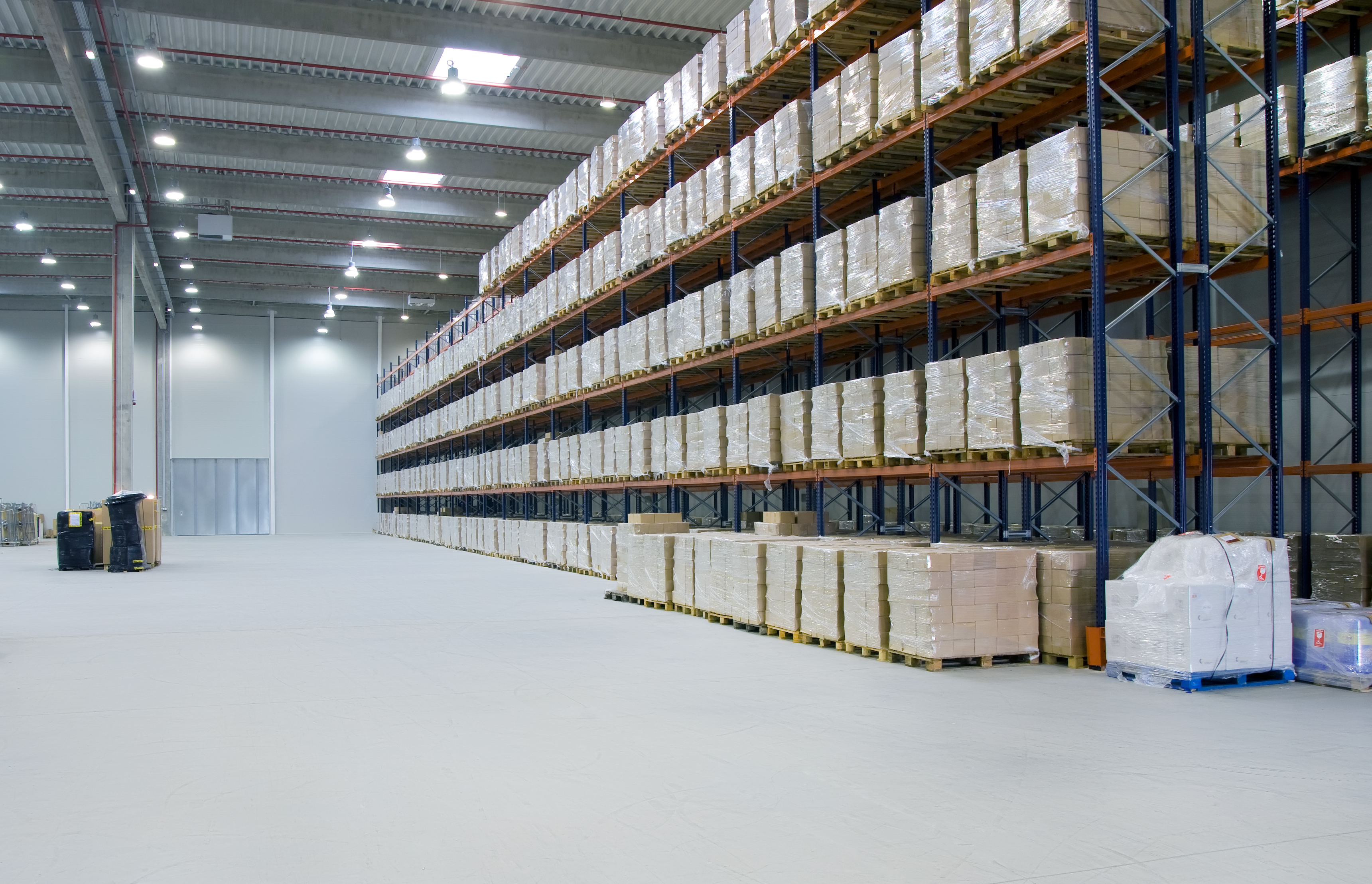 Internet-connected LED Lighting: 4 Benefits for Warehouses and Food Plants